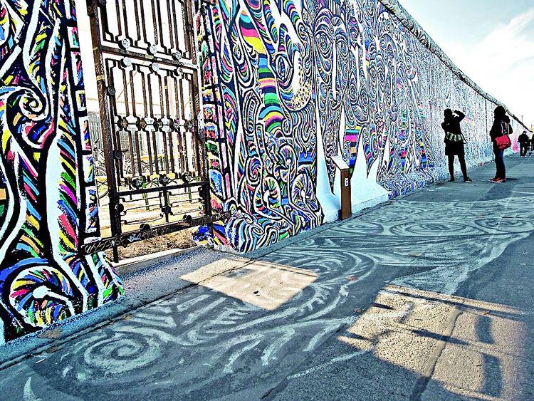 «Epigrama con Muro» Poema al Muro de Berlin de Mario Benedetti