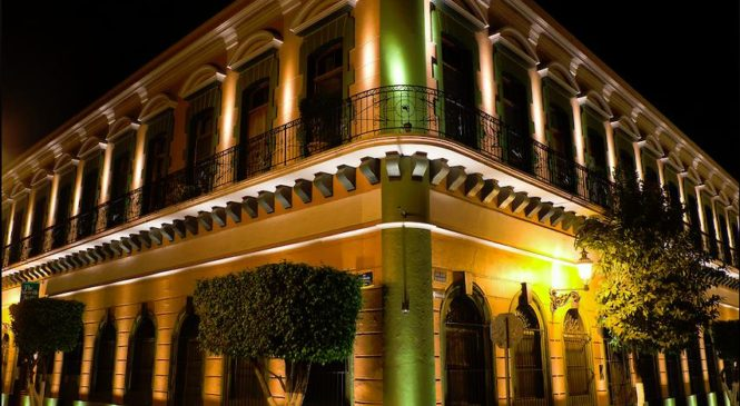 ACAPULCO: LA FASCINANTE, LA BELLA Y LA ELEGANTE